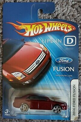 HOT WHEELS LIFE IN D 2006 FORD FUSION MOC VHTF RARE!