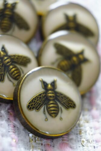 Six  6 GUCCI Buttons Beige Bees 18 mm 0,8 inch 6 pcs