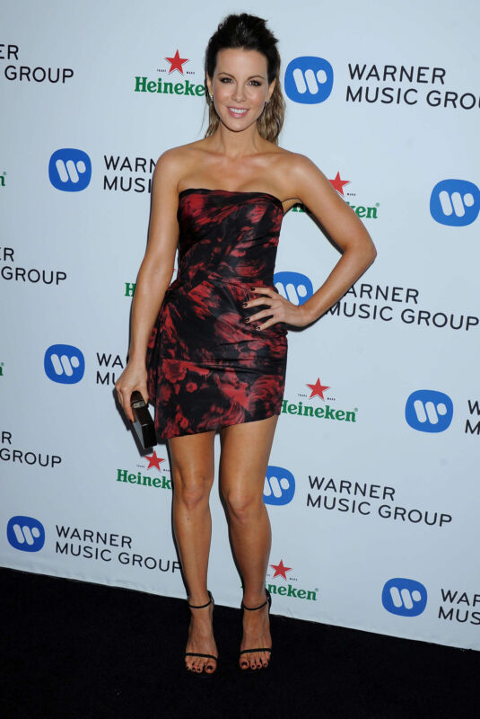 Kate Beckinsale Posing Facing 8x10 Photo Print