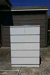 Chest of drawers for sale. Free deliver Daceyville Botany Bay Area Preview