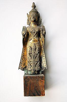 Stehender Buddha mit Schutzgeste, Bronze vergoldet, Südostasien, antik