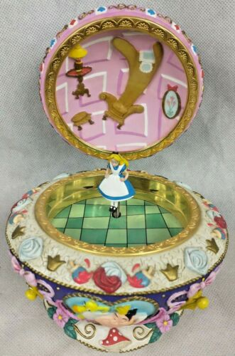Disney Alice In Wonderland Music Box Chipped Nose See Pictures A5