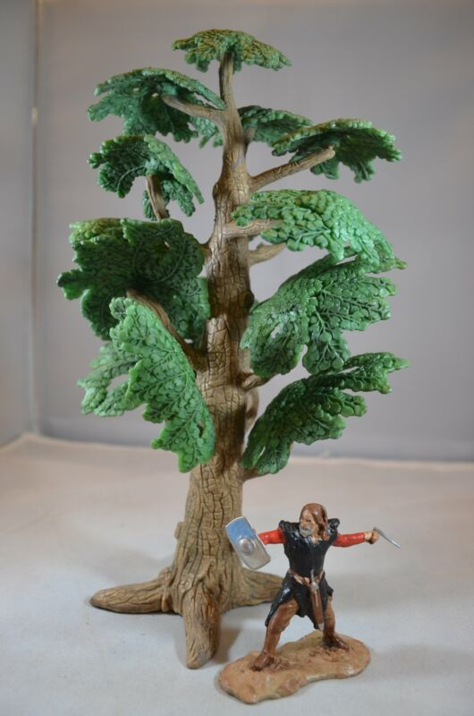 "9.5"" Plastic Tree for Dioramas and Battle Scenes"