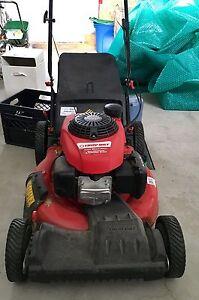 Tondeuse à essence autotractée Troy-Bilt, 160 cm3, 21 po