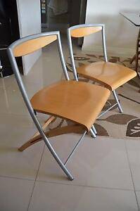 2 x foldable wooden chairs Fulham Gardens Charles Sturt Area Preview