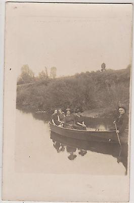 Photo ancienne cp- promenade en barque en riviere-vache broutant-scene champetre