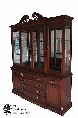 Stanley Furniture Stoneleigh Mahogany Chippendale Style Breakfront China Cabinet