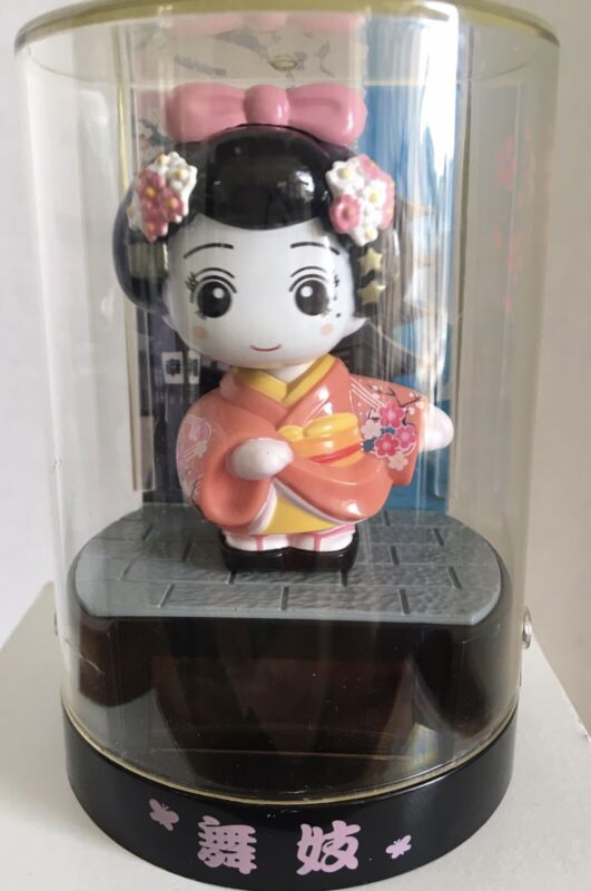 Santa Solar Japanese Geisha Bobblehead Pink