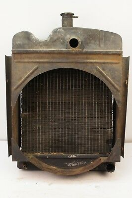 Radiator With Fan Shroud Late Model Oliver 550 Gas Utility Tractor White 2-44
