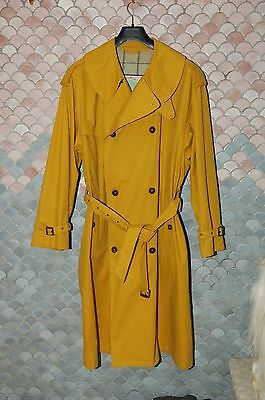 Giorgio ArmaniTrue Vintage Raincoat, EU 52, US 42, Excellent Condition, Yellow
