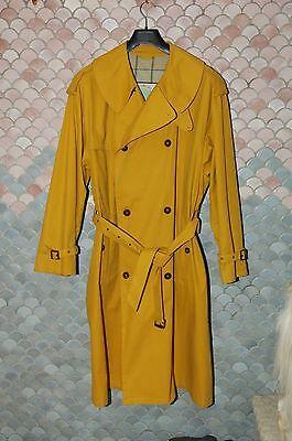 Giorgio ArmaniTrue Vintage Raincoat, EU 52, US 42, Excellent Condition, Yellow