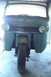 Daihatsu ute/truck  rare 1968     C M -8   model