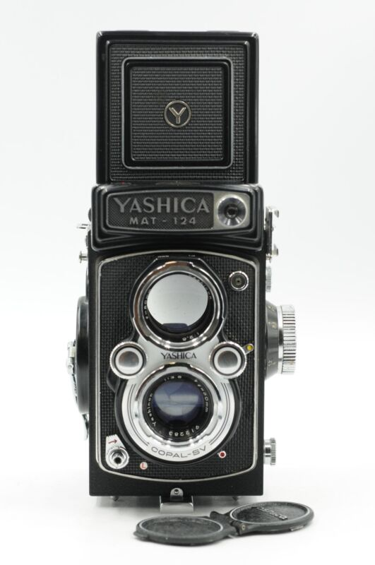 Yashica Mat-124 TLR Film Camera w/80mm f3.5 Lens #808