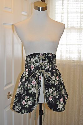 (PYRAMID COLLECTION~RENAISSANCE~FLORAL CROSS-LACED WAIST CINCHER~NWOT~SMALL~$69)