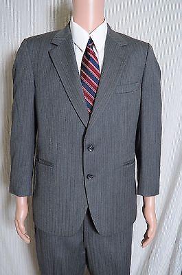 Vintage '80s Kingsridge custom gray pinstripe 2 piece suit 2 button 40 36X27.5