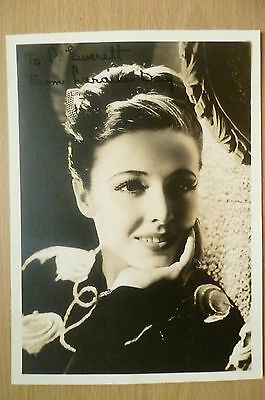 Film Star Real Photograph- Laraine Day with Hand Signed Autograph (apx.17x12 cm)