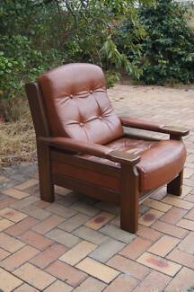 Vintage Tufted Chesterfield Style Leather Armchair RETRO TV Chair