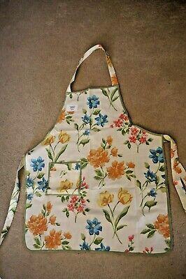 Women HANDMADE Apron Vintage front pocket kitchen cooking baking craft chefs