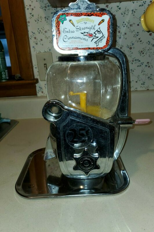 Vintage PELICAN HOUSE brand 25 CENT Nut,Gumball,Candy Countertop Machine w/ Key