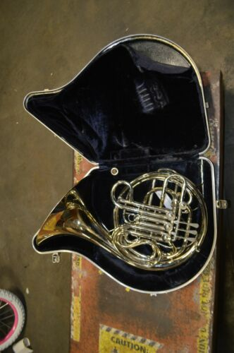 C.G. Conn Vintage 8D Professional Double French Horn used