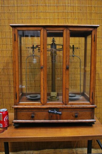 LARGE VINTAGE JAPANESE SCALE / Enclosed in Beautiful Wood and Glass Case