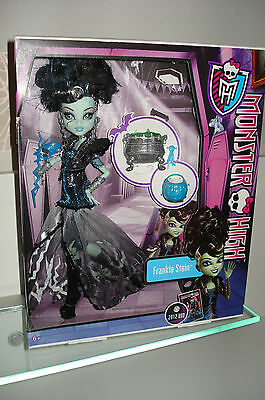 Monster High Halloween Party Frankie Stein im coolen Kostüm - NEU+OVP Mattel