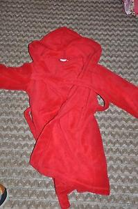 EUC boys dressing gown.  UK Brand. Age 7  $80 new. Bilgola Pittwater Area Preview