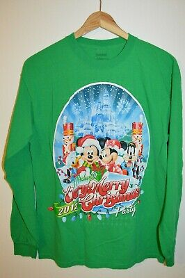 Rare Disney Mickey Mouse Merry Christmas PARTY Collectible T-Shirt Medium ()