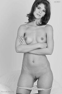 Black & White Fine Art Nude, signed 8.5x11 photo by Craig Morey: Demi 6522BW