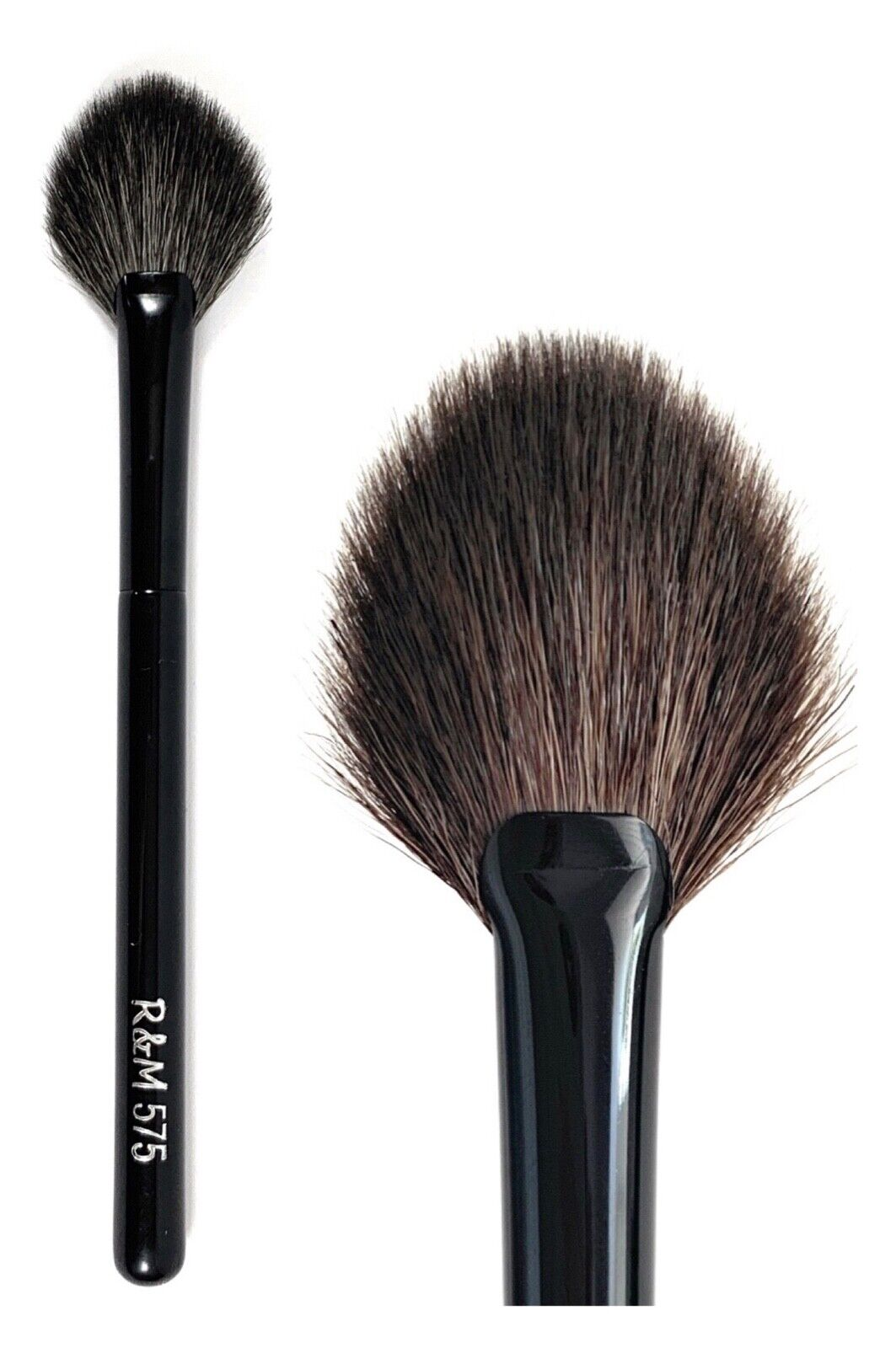 575 Oval fan highlighter brush