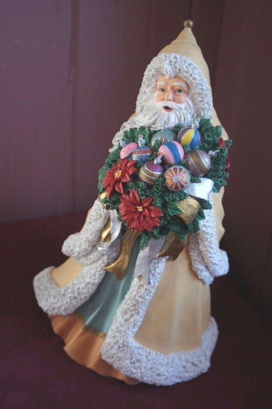 OLD FASHIONED STYLE LARGE SANTA FIGURINE