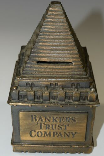 Souvenir Building Bankers Trust New York City Coin  Bank Box Key Architectural