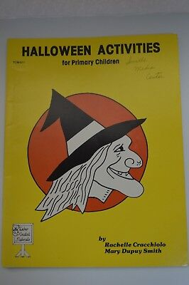 Vintage Halloween Activities for primary Children's coloring activity book 1980 - Colouring Halloween