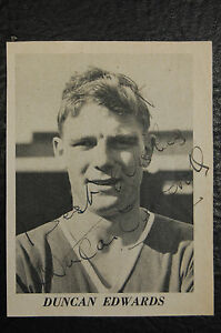 DUNCAN EDWARDS MANCHESTER UNITED MUNICH 1958 SIGNED PICTURE BUSBY BABE