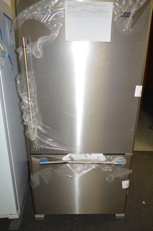 Maytag 22.1 Cu. Ft. Bottom-Freezer Refrigerator Stainless steel MBF2258FEZ