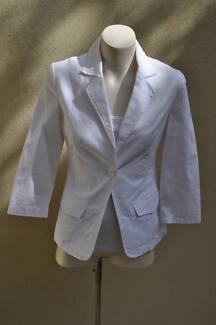 Zhouk 2 White Jacket new without tags