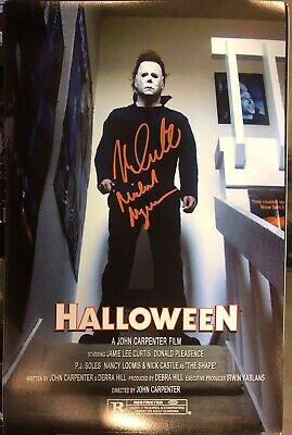 NICK CASTLE Actor MICHAEL MYERS in HALLOWEEN signed 11x17 Photo #2 Top Of Stairs (Halloween Nick)