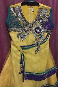 Girl's Salwar Kameez top with pants Bateman Melville Area Preview