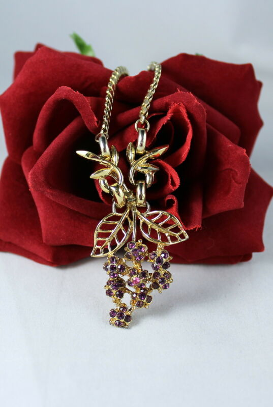 Vintage Gold tone Purple RHinestone Grapes   Necklace  CAT RESCUE