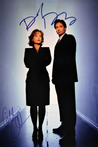 """X-Files 12x20"""" Photo signed by Gillian Anderson and David Duchovny STUNNING!!"""