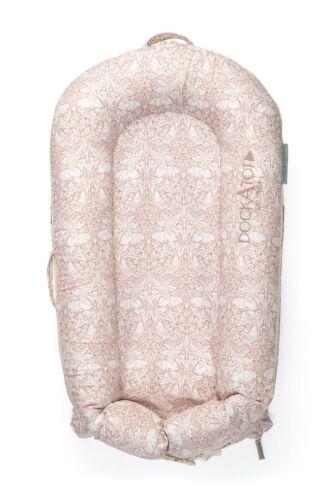 DockATot  Deluxe  Brier Rabbit Design Pink & Ivory (0-8 month) Baby Bed