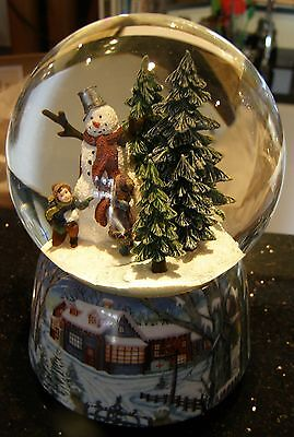 Wunderschöne Schneekugel Spieluhr Kinder mit Schneemann