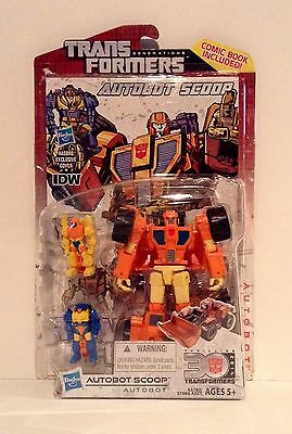 Transformers Generations 30th Anniversary Deluxe Class Autobot SCOOP MOC NEW