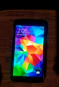 Samsung Galaxy s5 cracked screen still works perfectly Two Wells Mallala Area Preview