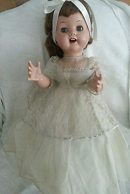 "VINTAGE 1950s 'MOMMA' HARD PLASTIC 21"" BRIDE WALKER DOLL"
