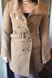Le chateau trench coat size s/p
