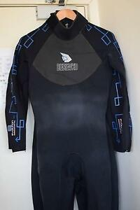 Full length Derevko Wetsuit Size (L) Carlton Melbourne City Preview