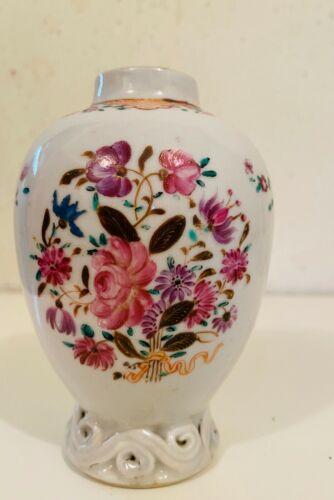 Antique 18 century Chinese tea caddy  export porcelain