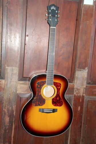 Guild F-250E Deluxe Jumbo Acoustic-Electric Guitar Antique Sunburst W/Hard Case