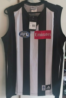 Collingwood Football Club Guernsey and Cap